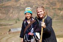Nhìn lại hành trình yêu hơn 10 năm của 'cô bé H'Mông nói tiếng Anh như gió' sau tuyên bố ly hôn chồng