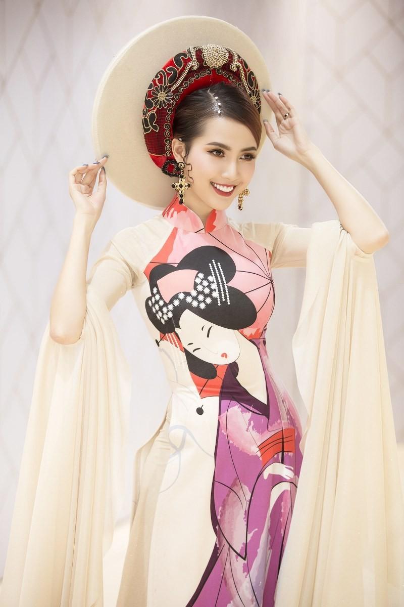 Hoa hậu, á hậu xuất hiện lộng lẫy trong ngày hội từ thiện