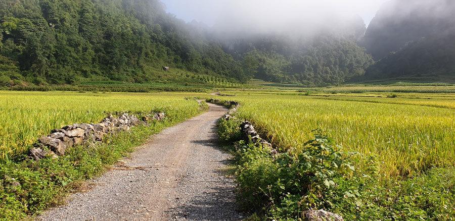 Công viên địa chất Non nước Cao Bằng: Mắt đẹp của thần núi