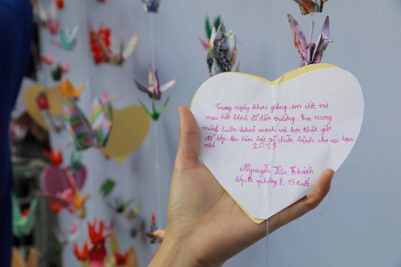 """Cô giáo ròng rã 10 năm """"mở cửa thiên đường"""" cho trẻ ung thư"""