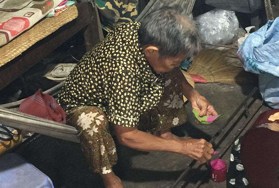 Chuyện người đàn bà trong căn nhà ẩn sau 6 ngôi mộ ở Long An