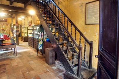 Bất ngờ ngôi nhà ống trăm tuổi đẹp nhất phố cổ Hà Nội