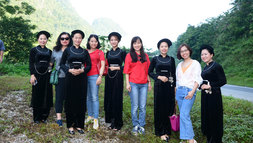 Đoàn phóng viên chuyên trách về UNESCO khám phá Cao Bằng