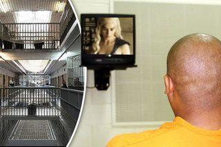Tên trộm thích ngồi tù để được xem truyền hình miễn phí