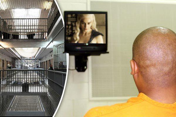 Pháp,tù nhân,ngồi tù,truyền hình trả tiền,chuyện hy hữu