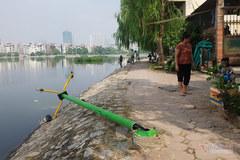 Hàng chục tỷ kè cứng hồ Đầm Hồng, phường không dám tiếp quản