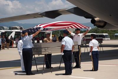 Hồi hương 2 hài cốt quân nhân Hoa Kỳ tại Đà Nẵng