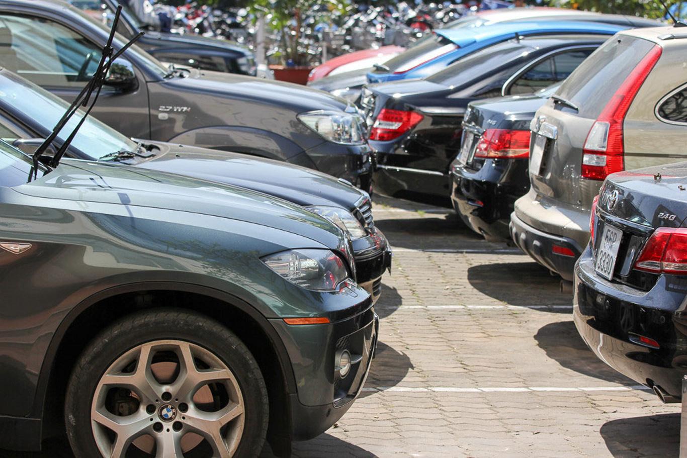 Cân nhắc kỹ trước khi mua ô tô cũ vào mùa mưa dù 'giá rẻ như cho'?