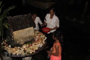 Khmer people in Soc Trang celebrate Sene Dolta festival