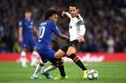 Chelsea 0-0 Valencia: Miệt mài tìm bàn thắng (H2)