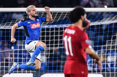 Bùng nổ cuối trận, Napoli đánh gục Liverpool