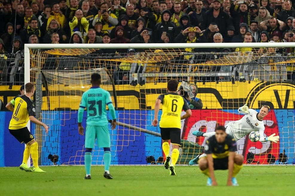Messi tái xuất, Barca thoát thua trên sân Dortmund