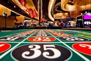 'Cò' casino và sự thật kinh hoàng sau ánh mắt và nụ cười