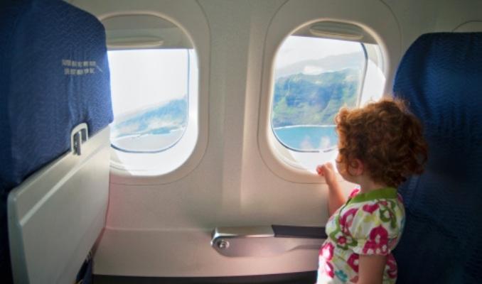 Tại sao cửa sổ máy bay hình bầu dục không phải vuông hay chữ nhật?
