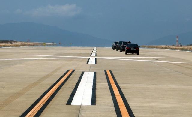 Dốc gần 2.000 tỷ xây đường băng sân bay rồi… 'đắp chiếu'