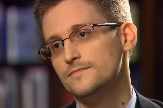 Edward Snowden,Nghe lén,Tình báo Mỹ