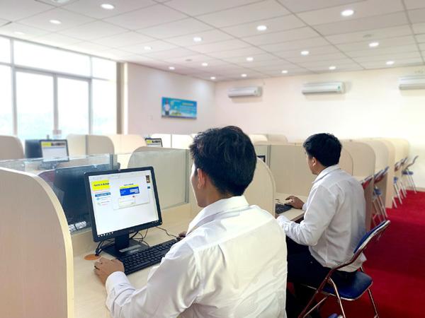Phòng thực hành ngân hàng 4.0 của SV Ngân hàng TP.HCM