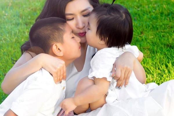 Hậu chia tay bạn trai doanh nhân, Hồng Nhung chia sẻ tâm sự mẹ đơn thân