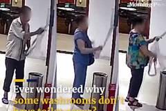 Video tóm dính nhóm người trộm giấy vệ sinh trong toilet công cộng ở TQ