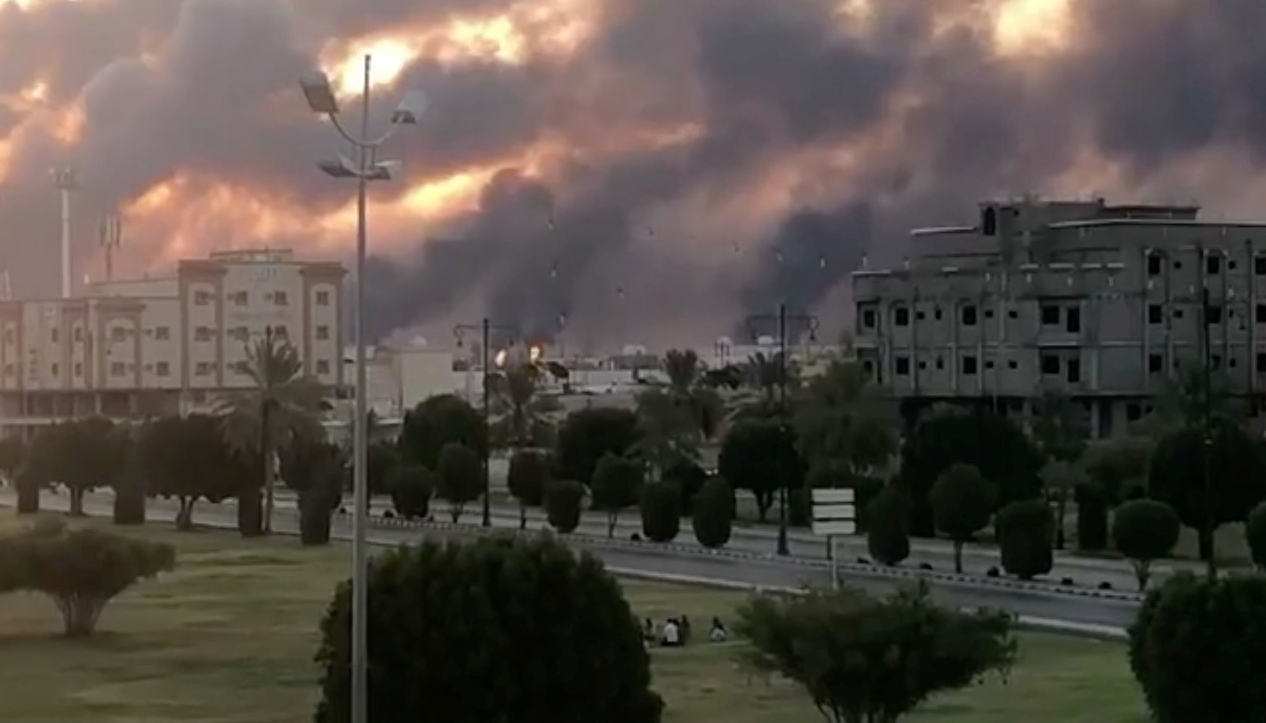 Iran,Mỹ,Yemen,Ảrập Xêút,Houthi,tấn công,nhà máy dầu