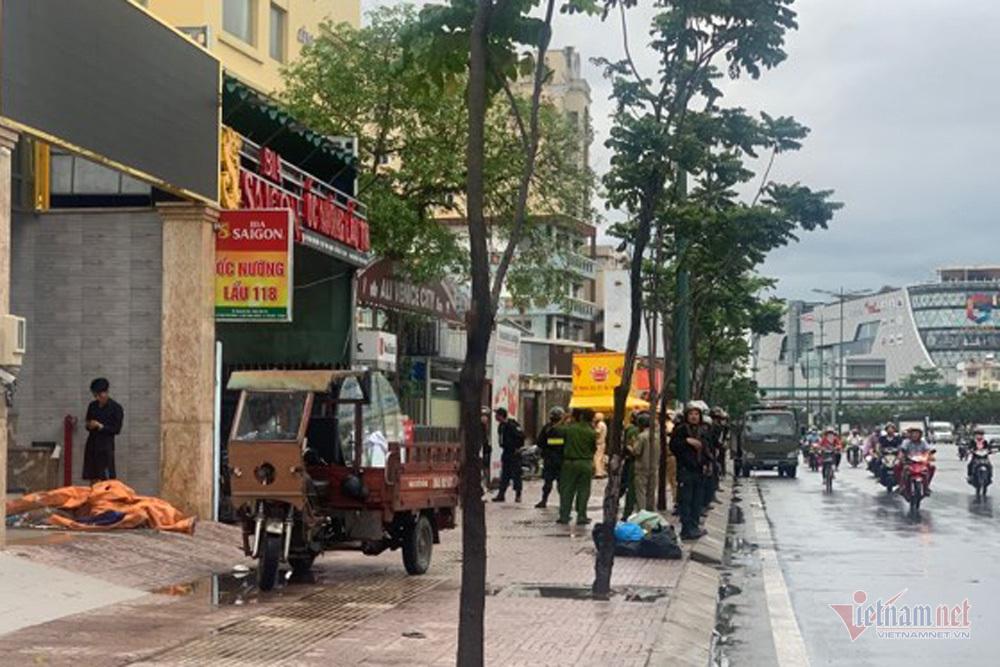 Hình ảnh công an phong tỏa công ty địa ốc Alibaba