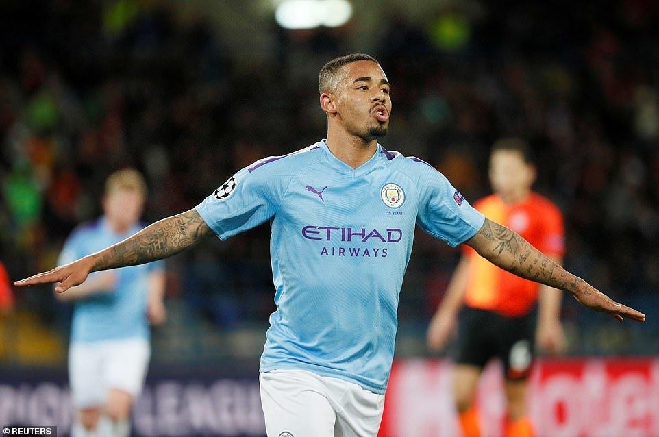Man City khởi đầu như mơ ở Champions League