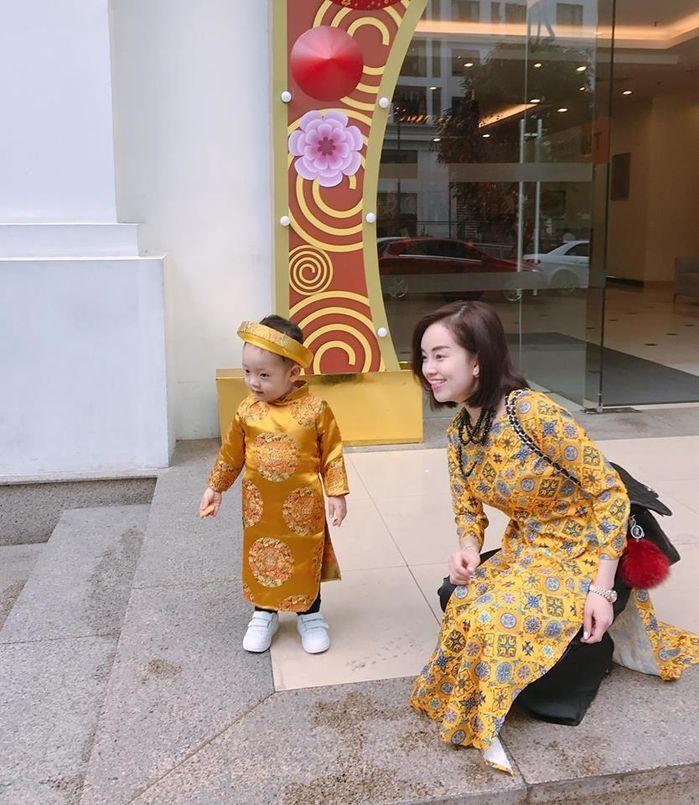 Hiện tại cô trở thành mẹ đơn thân và tập trung công việc kinh doanh của mình. Gác lại chuyện không vui trong quá khứ, Khánh Ly sống hạnh phúc cùng cậu con trai Khoai Tây. Cô tập trung vào công việc kinh doanh, không tham gia vào showbiz.