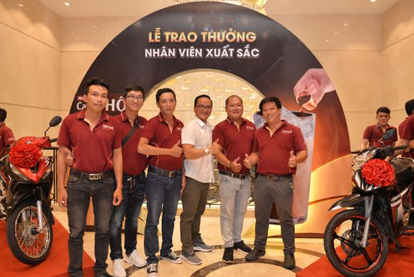 MacCoffee - Café Phố 'thưởng nóng' 211 xe máy cho nhân viên xuất sắc