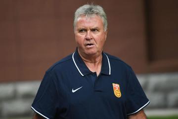 Guus Hiddink bị sa thải sau trận thua U22 Việt Nam