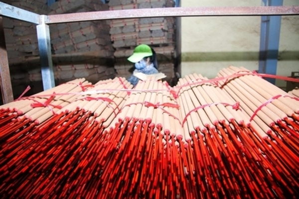 India's import quotas harm Vietnamese incense firms