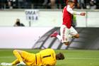 Frankfurt 0-0 Arsenal: Đôi công siêu hấp dẫn (H1)
