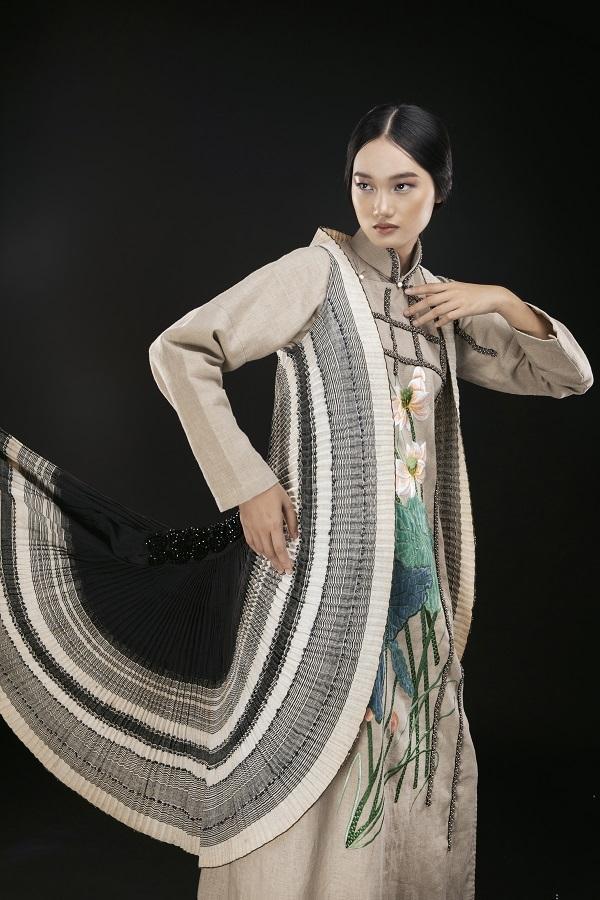 Á quân The Face Quỳnh Anh ấn tượng với áo dài thổ cẩm Tây Bắc