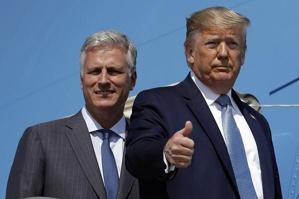 Có cố vấn mới, ông Trump bớt 'mạnh tay' với TQ?