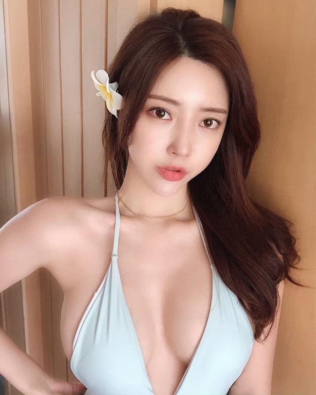Choi Somi,Vương Tư Thông