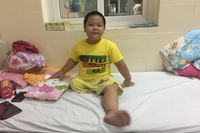 Nỗi đau của cháu bé ngỡ tưởng hết ung thư sẽ được bác sĩ trả lại chân