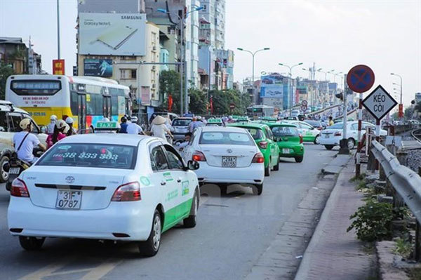 Hanoi stipulates colours for taxis by 2026