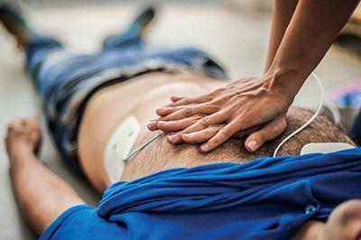 Cảnh báo 5 thói quen xấu nhiều người mắc có khả năng gây nhồi máu cơ tim, đặc biệt giới trẻ