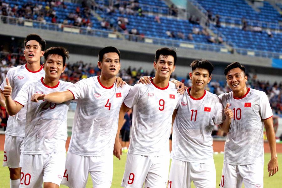 Thầy Park triệu tập U22 Việt Nam đá giao hữu với U22 UAE