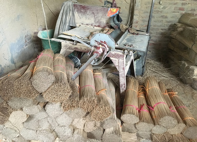 Largest incense making village in Vietnam suffers from India's import restrictions