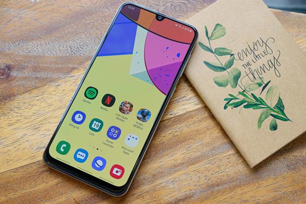 Galaxy A50s - xài màn hình 'hạng sang' trên điện thoại tầm trung