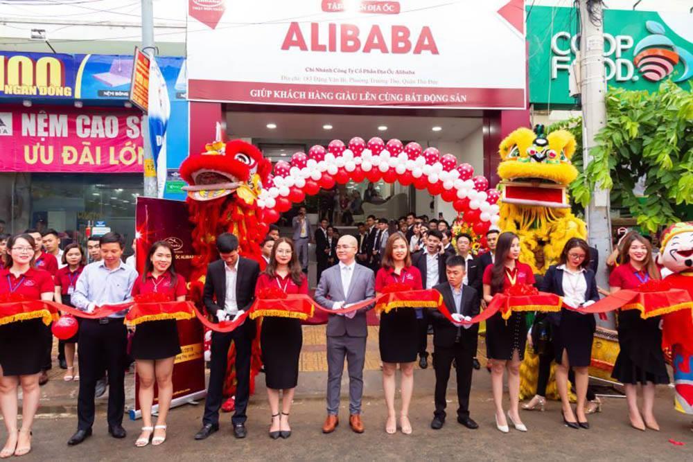 Khám xét 2 công ty con của địa ốc Alibaba ở TP.HCM