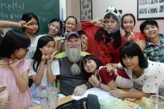 American man teaches English to the poor in Vietnam