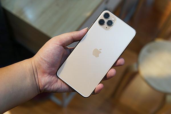 Mở hộp iPhone 11 Pro Max nóng hổi, vừa cập bến thị trường Việt Nam -  VietNamNet