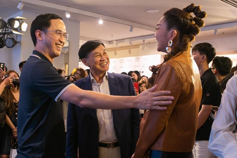 Thanh Hằng, Hà Anh Tuấn xuất hiện rạng rỡ, khuấy đảo fan Việt