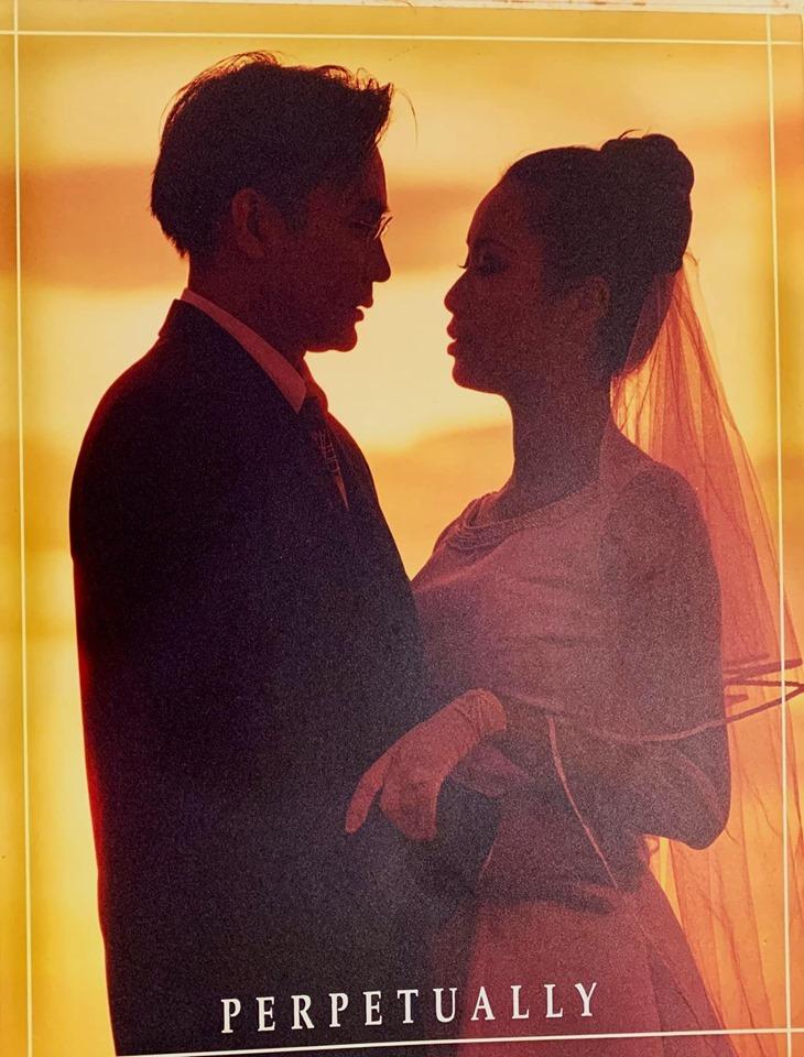 Trịnh Kim Chi khoe ảnh cưới bên chồng đại gia sau 19 năm kết hôn