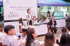 Hoa hậu Hương Giang: 'Đọcsách quýcàng trở nên mạnh mẽ'