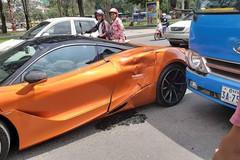 Siêu xe McLaren 720S móp méo vì va chạm xe buýt trên phố