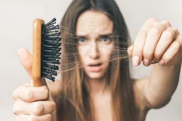 Những mẹo hiệu quả giúp tóc không còn rụng ngày giao mùa