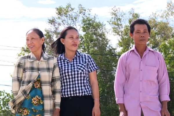 Phu Yen residents donate land to build schools