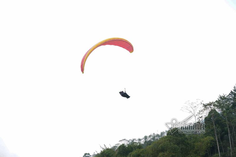 Khai mạc giải bay dù lượn tại Hoàng Su Phì